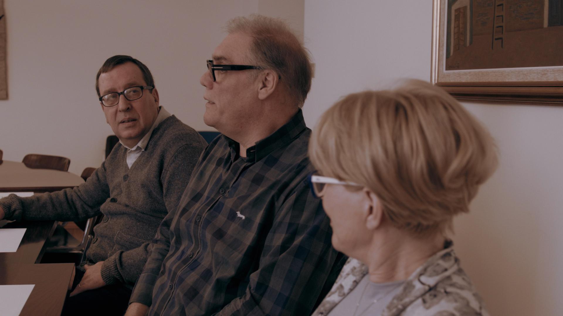 Z leve: Ivan Verč, Boris Kobal, Bogomila Kravos (nastopajoči v filmu)