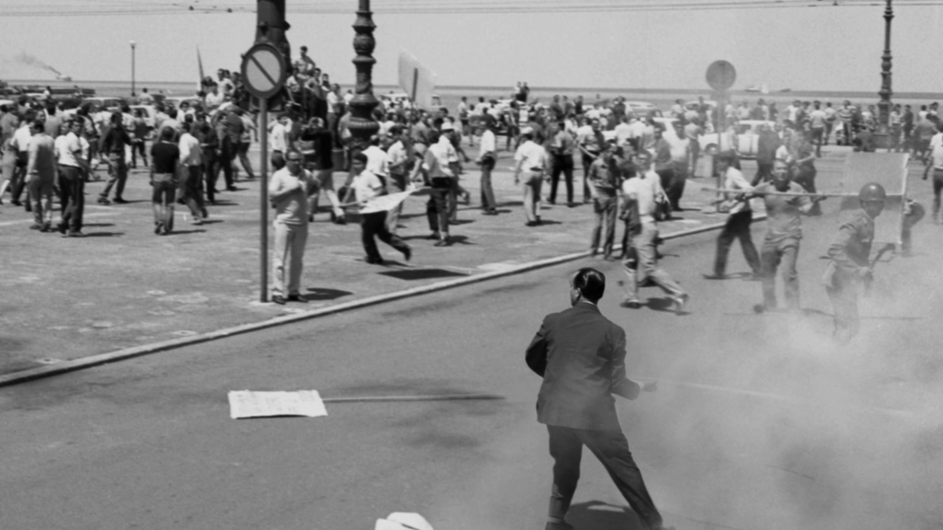 Nemiri v Trstu (prizor iz filma)